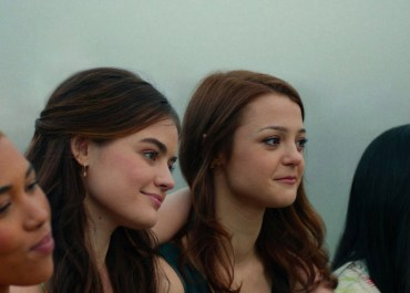 dude netflix movie lucy hale