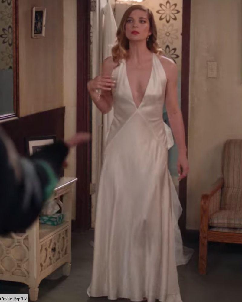 alexis rose wedding dress