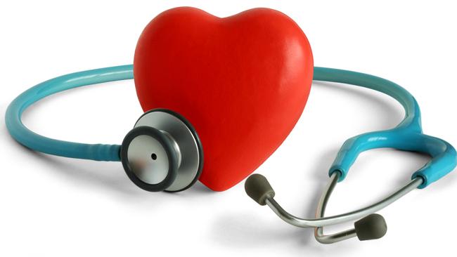 salud-bienestar-corazón-médicos