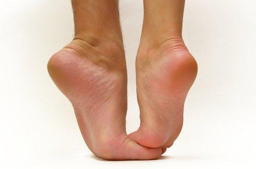 Síndrome de osteólisis del talon, rótula y escafoides