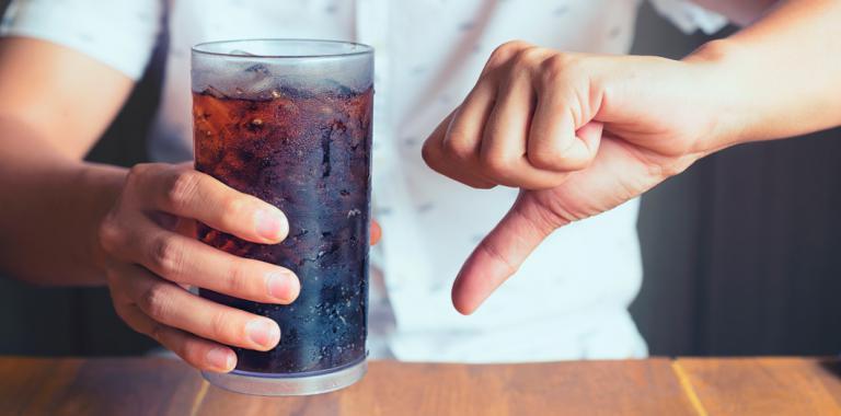 Las bebidas azucaradas agravan los síntomas de la esclerosis múltiple