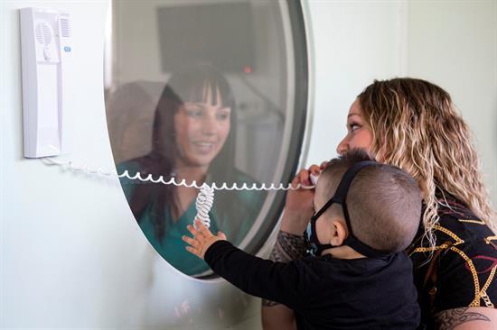 Niño burbuja: Se cura tras ser diagnosticado por la prueba del talón