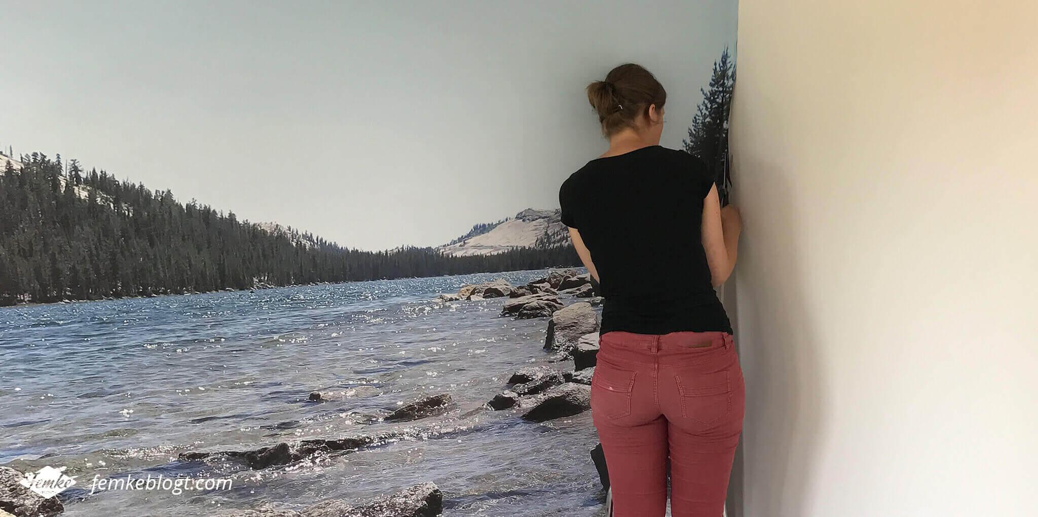DIY fotobehang van je eigen foto | Fotobehang ophangen en afwerken