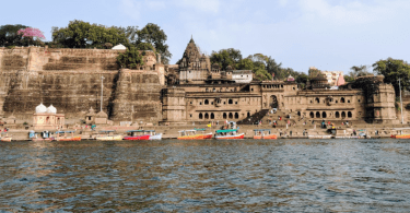 Maheshwar fort