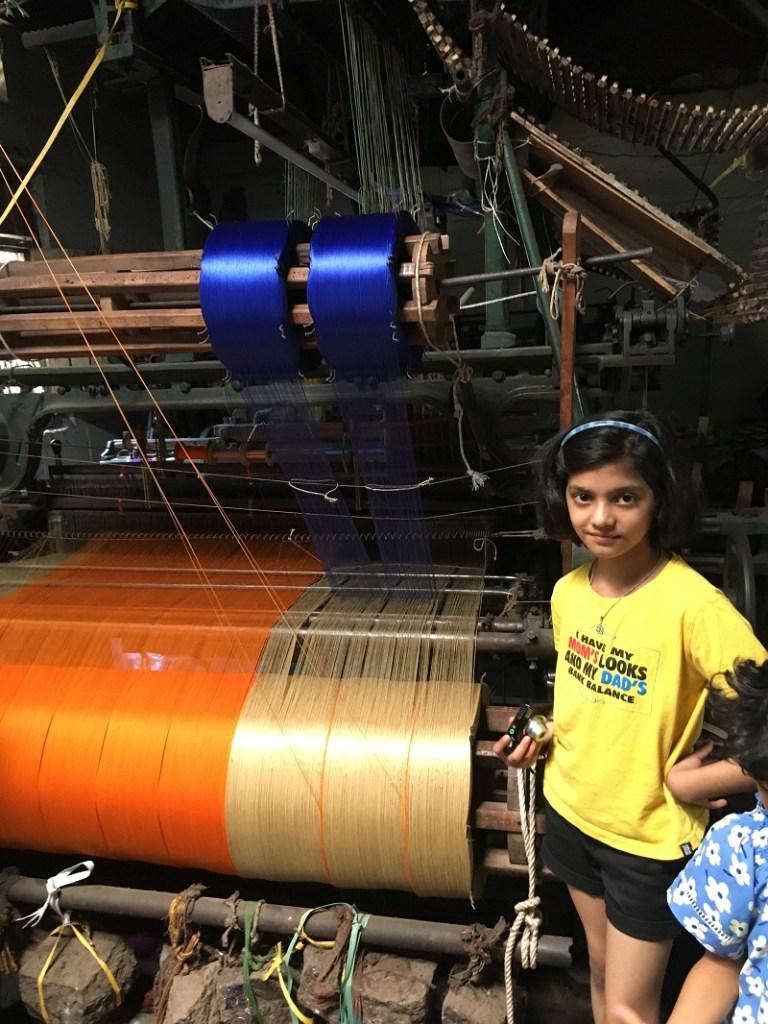 Saree making in koppal - Hampi Travel Guide