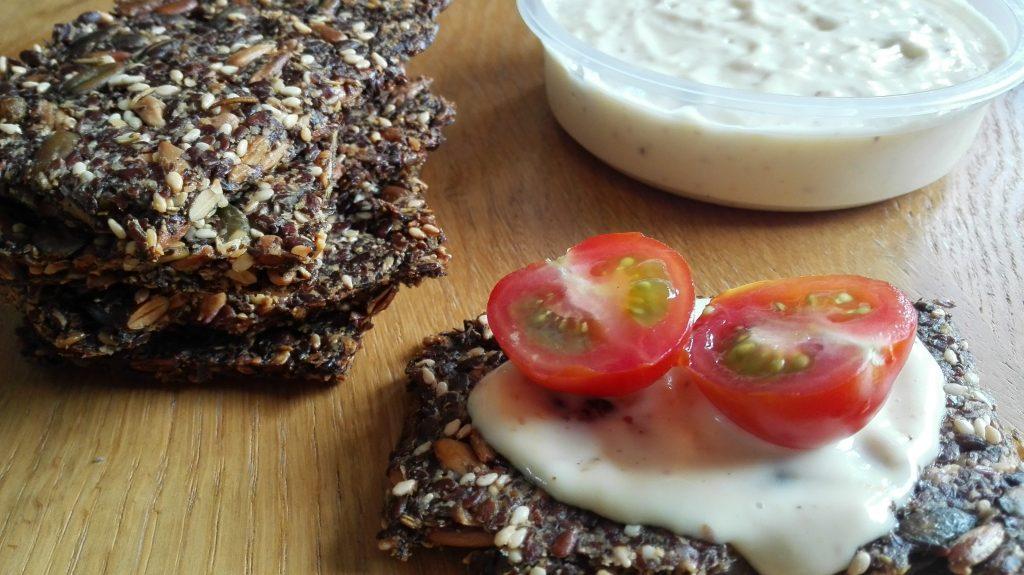 lijnzaad crackers met mayo