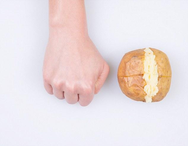 voeding portie granen koolhydraten in hand