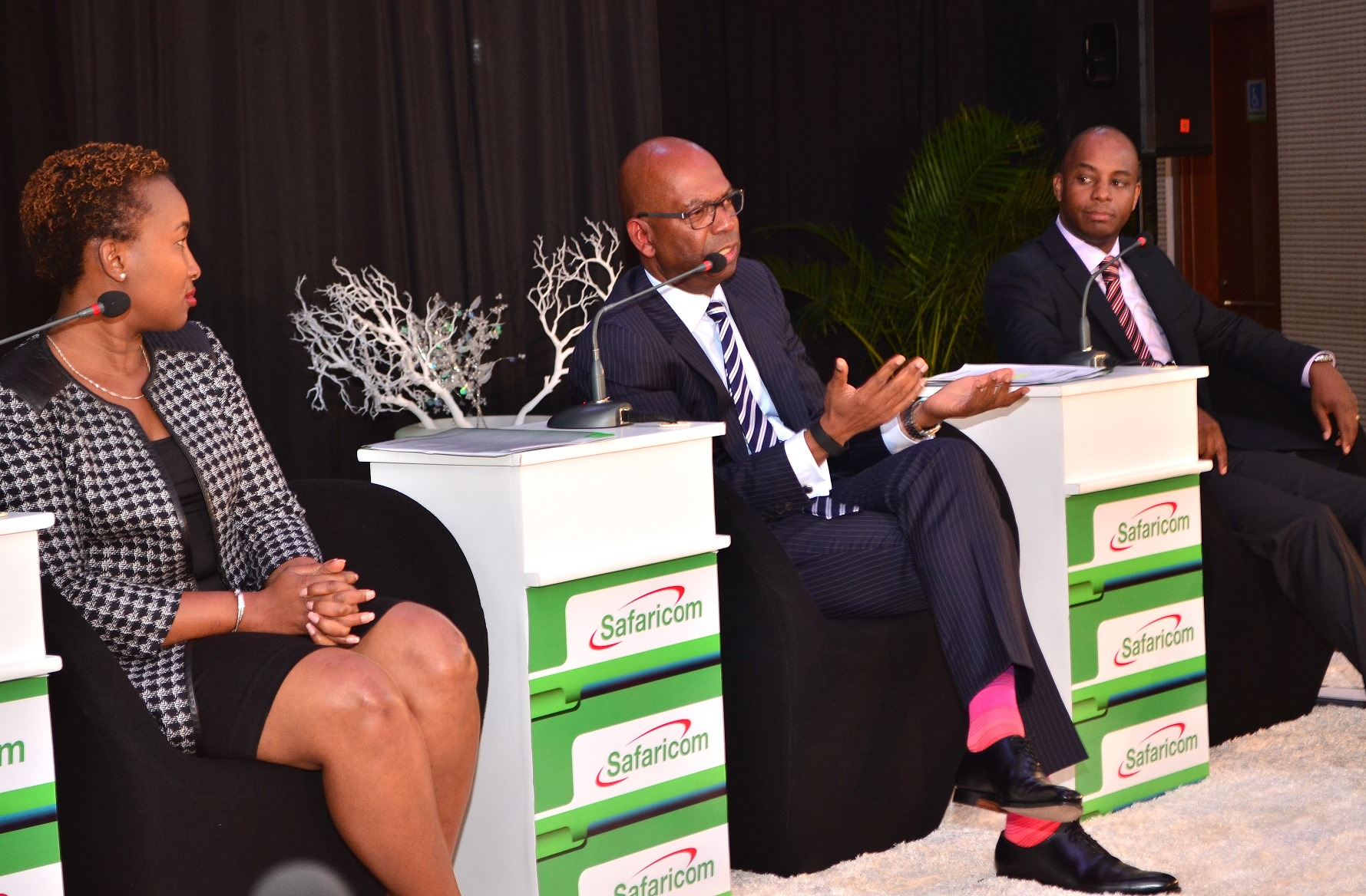 L-R, SYLVIA MULINGE, (DIRECTOR, CONSUMER BUSINESS UNIT), BOB COLLYMORE (…