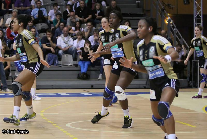 Issy Paris Hand - Anne SOphie Kpozé, Jasno Toskovic, Astrid Ngouan, Coralie Lassource, Lesly Briémant