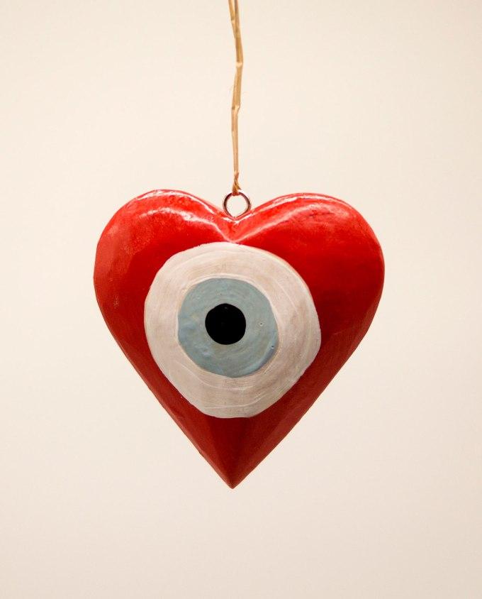 Καρδιά ματάκι ξύλινη χειροποίητη διαμέτρου 10 cm κόκκινο