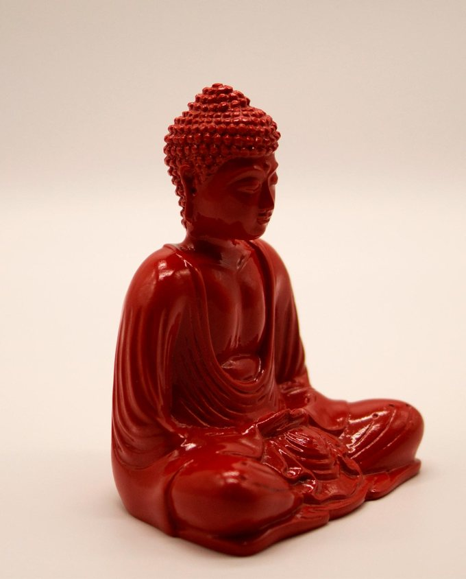 Βούδας ρητίνη ύψους 15 cm σε στάση διαλογισμού κόκκινος