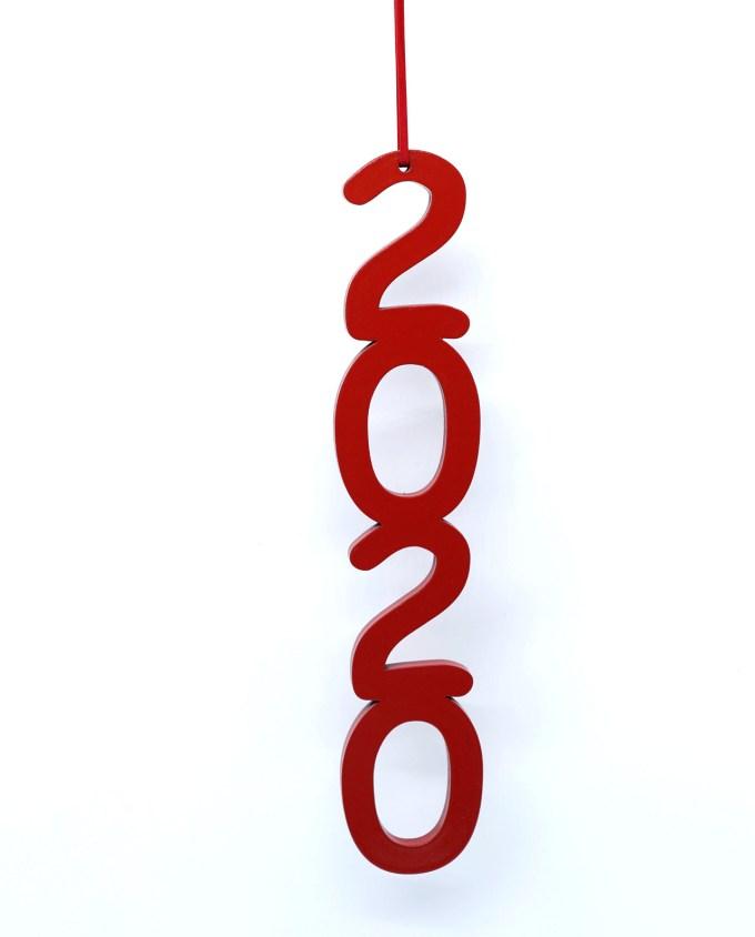 Γούρι ξύλινο 2020 κόκκινο ύψος 25 cm