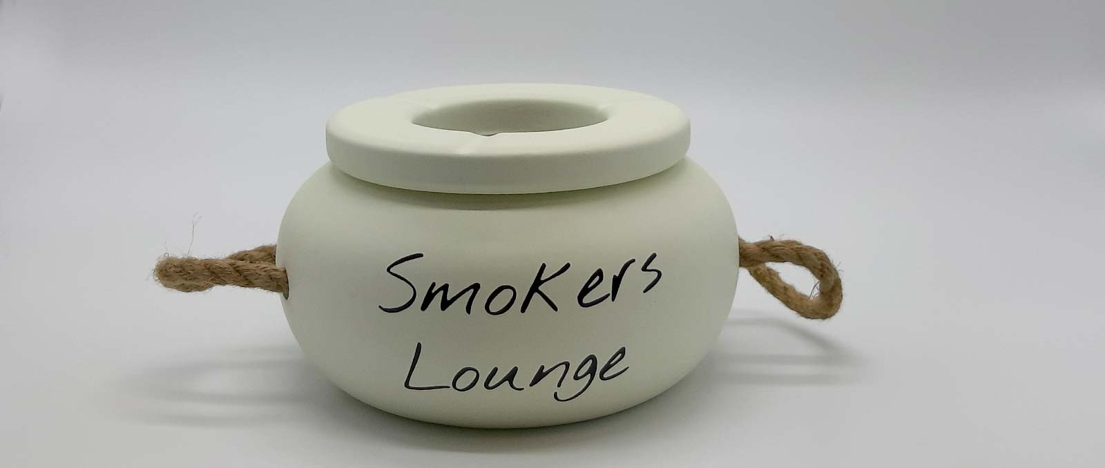 ashtray-big-smokers-lounge