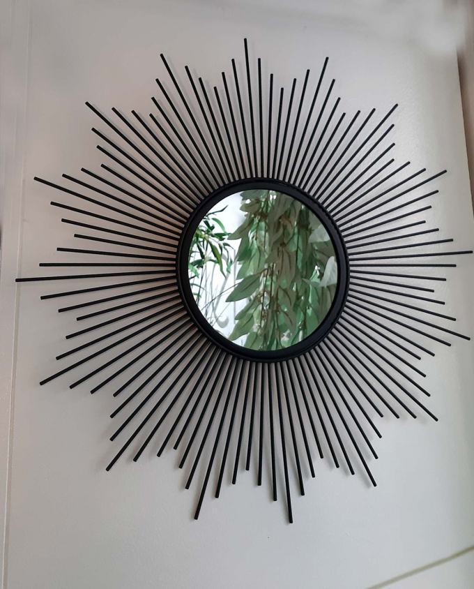 "Mirror black metal ""Sunbeams"" diameter 50 cm"