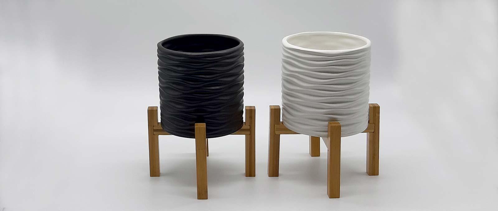pot-on-bamboo-legs