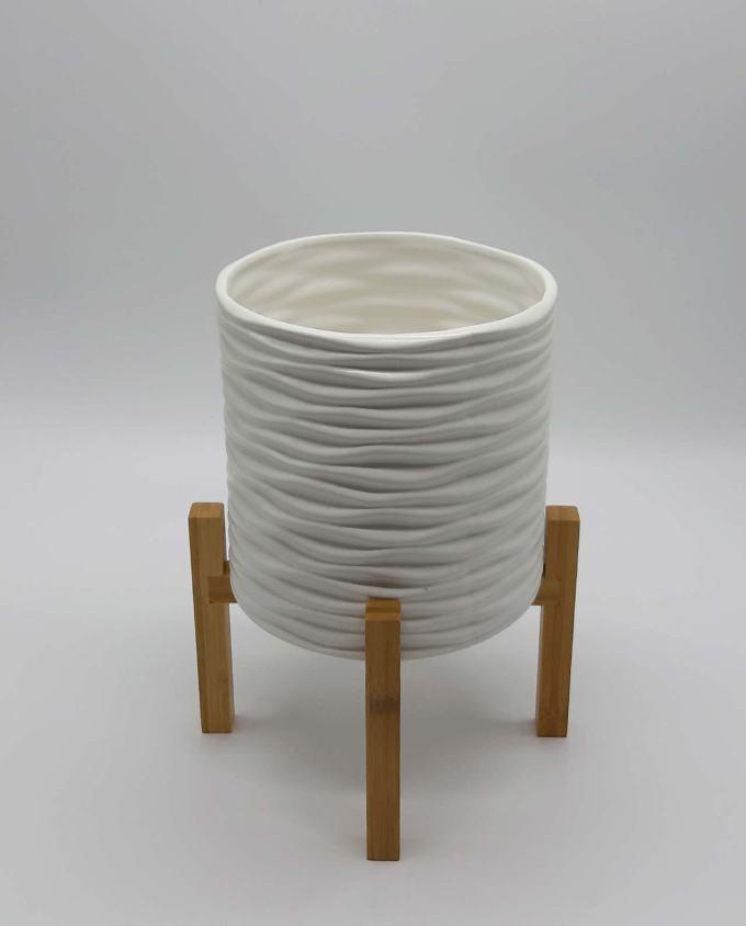 Κασπώ άσπρο κεραμικό με πόδια ύψος 29 cm