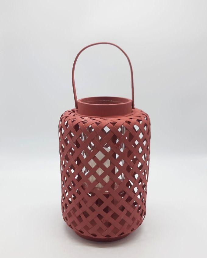 Φανάρι από μπαμπού με γυαλί, χρώμα magenta. Διάσταση: ύψους 30 cm, διαμέτρου 21 cm