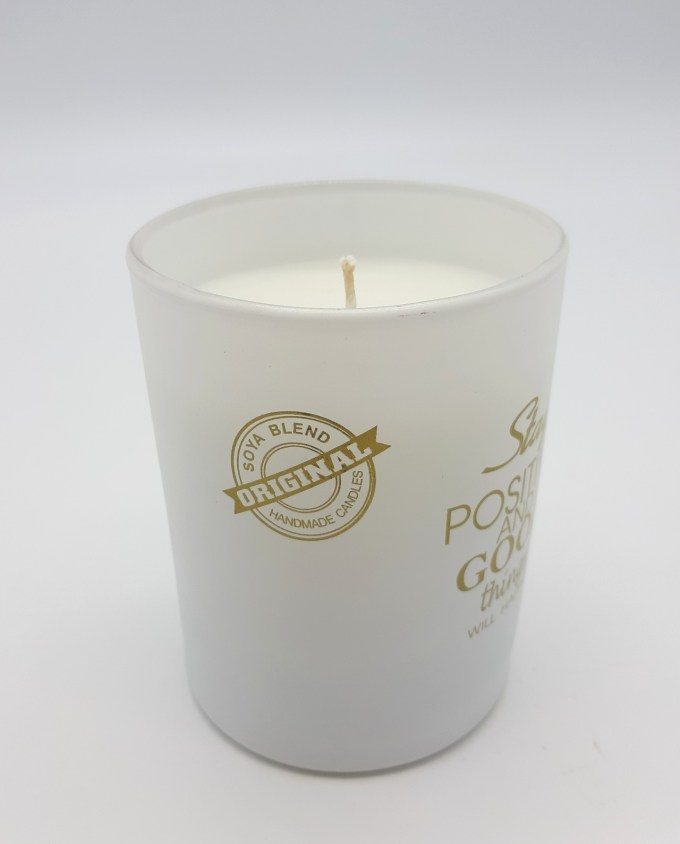 Aromatic Candle Soya Blend White Glass  50% natural soybeans wax & 50% natural paraffin  Dimension: height 8.5 cm, diameter 7 cm  Burning time: 40 hours