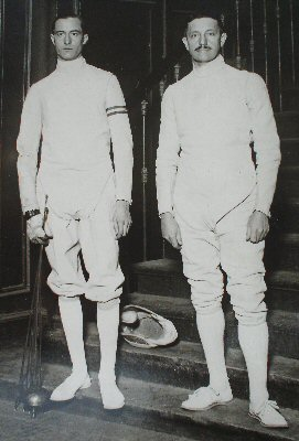 1926 photograph of Aldo Nadi and Felix Ayat