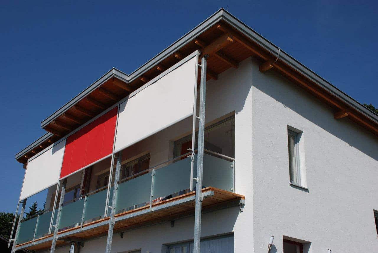 Glasgeländer Und Balkon Beschattung