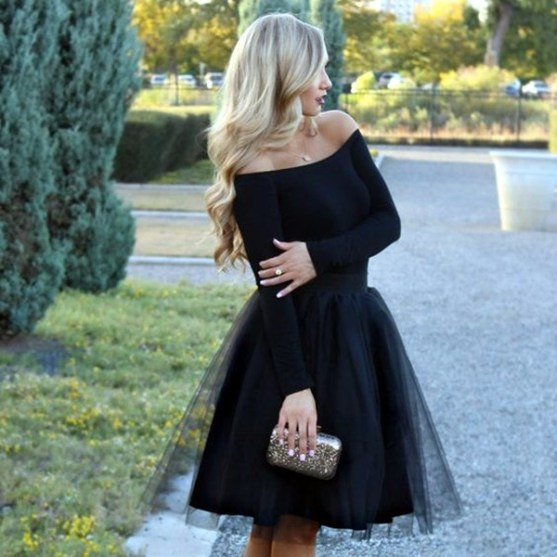 3ce13de03 60 Holiday Outfits From Our Favorite Fashion Bloggers - Society19