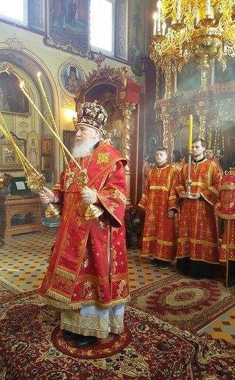Пасха, архиерей, 25-летие монастыря и наградной крест