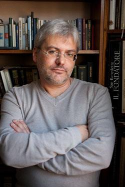 Поздравляем писателя Евгения Водолазкина!