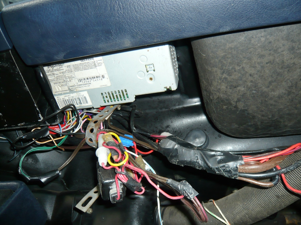 hight resolution of wiring loom repairs on our project porsche 911 sc rh ferdinandmagazine com at porsche 911 sc