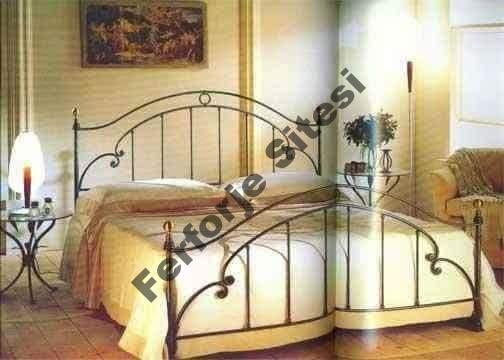 Ferforje yatak başlığı