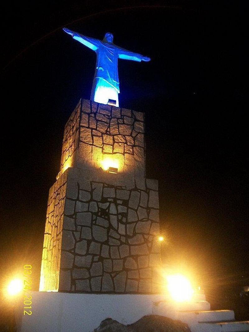 MAR VERMELHO-AL-CRISTO REDENTOR NA ENTRADA DA CIDADE-FOTO:FRANCISCO ELLYSON OLIVEIRA - MAR VERMELHO - AL