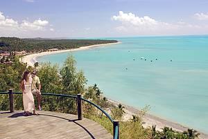 Da estrada de terra: Mirantes descortinam mar azul e coqueirais