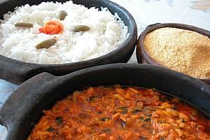 Moqueca capixaba: Delícia típica é preparada em panela de barro
