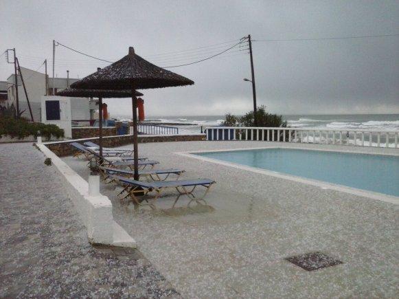 Schnee am Strand von Kreta