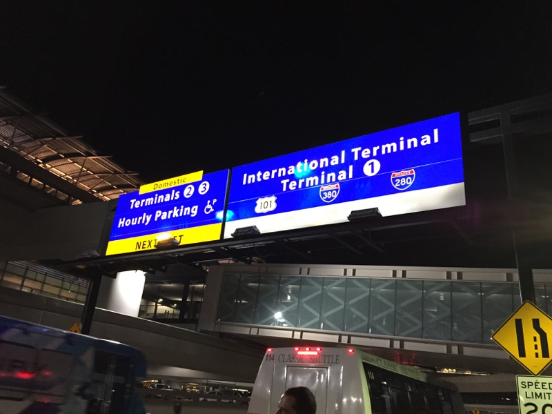San Francisco - International Airport bei Nacht