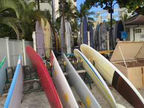 Honolulu Hawaii O´ahu - Wikiki Beach - Surfboard Mietstation