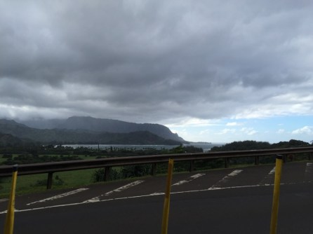 Kauai Hawaii - Blick auf die regenverhangene Napali Coast