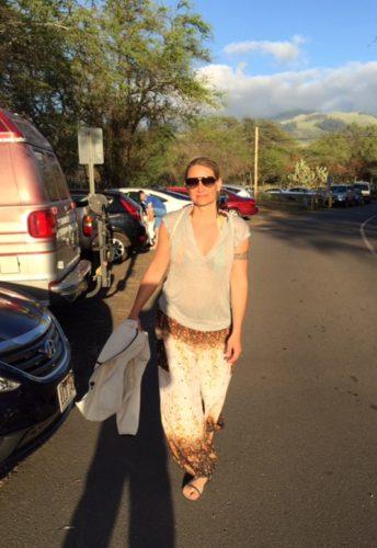 Silke Baaske in Hawaii auf dem Weg zum Little Beach.