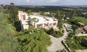 RG 44 Villa con vista panoramica