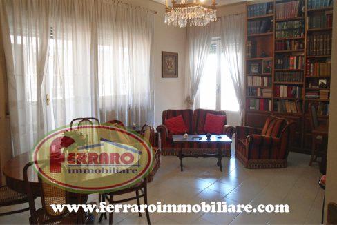 in-vendita-appartamento-secondo-piano-via-risorgimento-ragusa-con-garage-posto-auto-sicilia