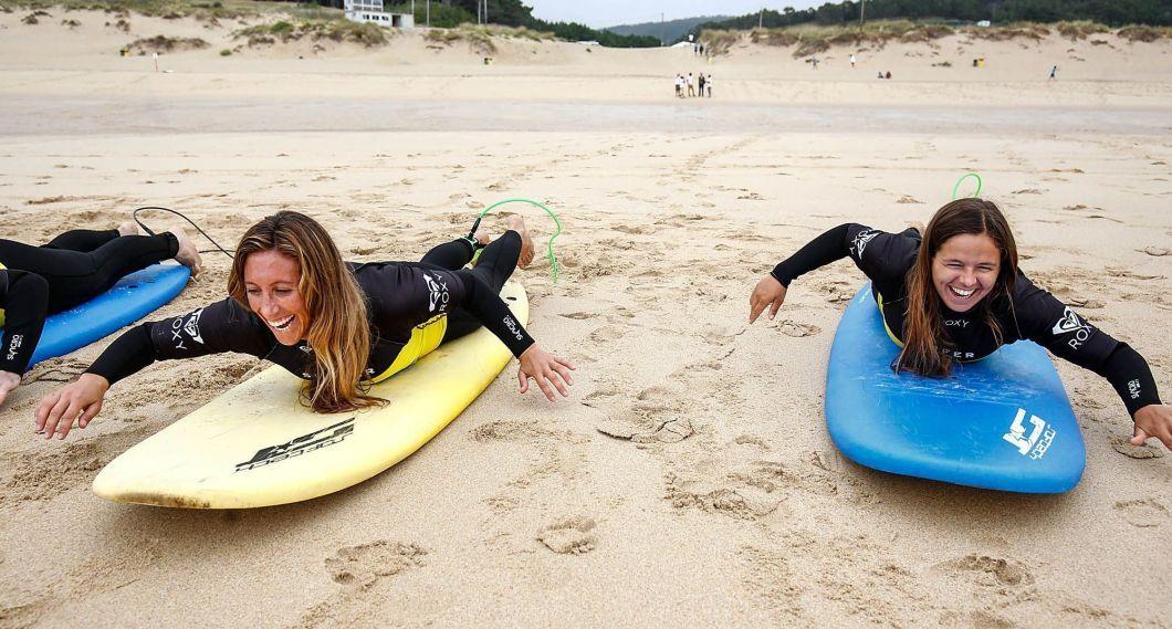 Sofía Toro y Ángela Pumariega, este lunes en Doniños (foto: Mero Barral / 13fotos para Ferrol360)