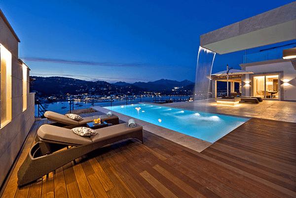 So kauft man eine LuxusVilla am Strand von Mallorca