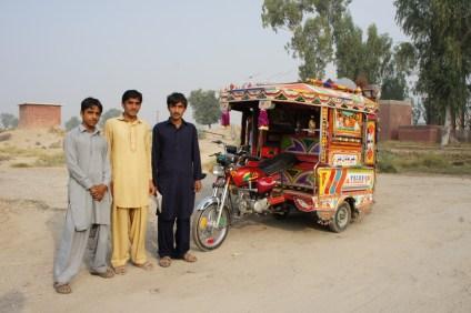 In weiten Teilen Pakistans ersetzen Rickshaws das Auto als Taxi