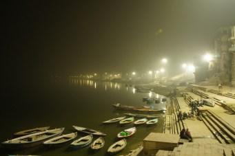 Abendliche Ruhe am heiligen Ganges