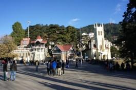 The Ridge - höchster Platz in Shimla mit der Christ Church und einem beeindruckenden Ausblick in die Berge