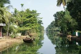In einem typischen Backwaterdörfchen bei Kollayam
