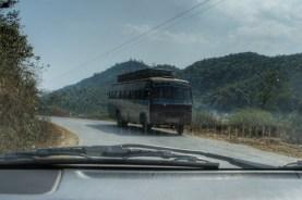 Kein Bus zur Personenbeförderung, sondern um Holz von Myanmar nach Indien zu schmuggeln