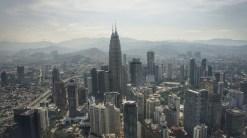 Blick vom Menara Tower auf das Business-District, das von den Petronas Twin Tower dominiert wird