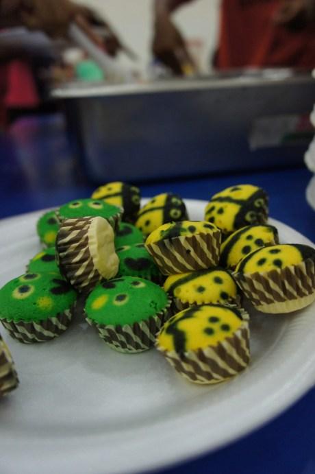 Nette Geste am Rande der Feier: Cupcakes in Form von Glückskäfern