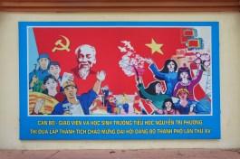 Propaganda an einer Schule in Haiphong: Aufruf zu guten Leistungen von Lehrern und Schülern