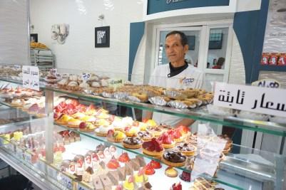 Der Einfluss der Franzosen ist auch im kulinarischen Bereich noch deutlich sichtbar: Zahlreiche Konditoreien und Bäckereien warten mit süßen Spezialitäten auf.